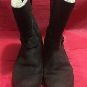 Brown leather short UGG boots